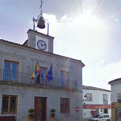 El alcalde de Dos Torres comparece ante los medios tras las críticas recibidas