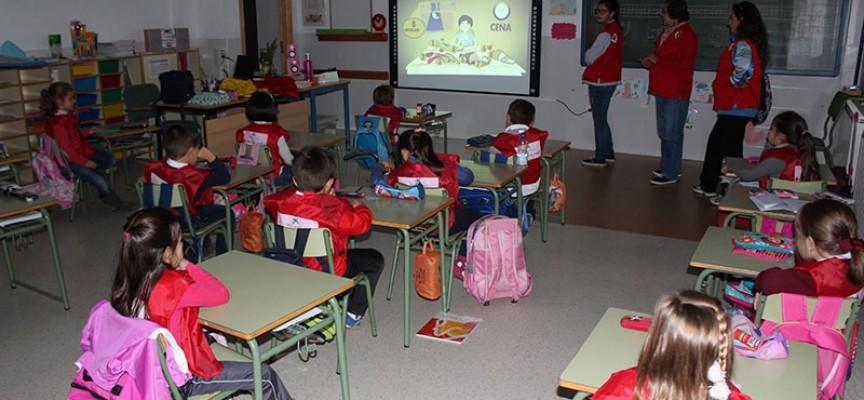 Más de 300 escolares adquieren pautas de vida saludable gracias a la Cruz Roja y La Caixa en Hinojosa del Duque