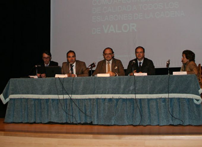 ASAJA Córdoba celebra con éxito la VIII Jornada Técnica de Porcino Ibérico