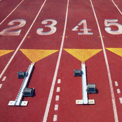 Éxito en atletismo, dos oros y dos bronces en los andaluces de pista cubierta