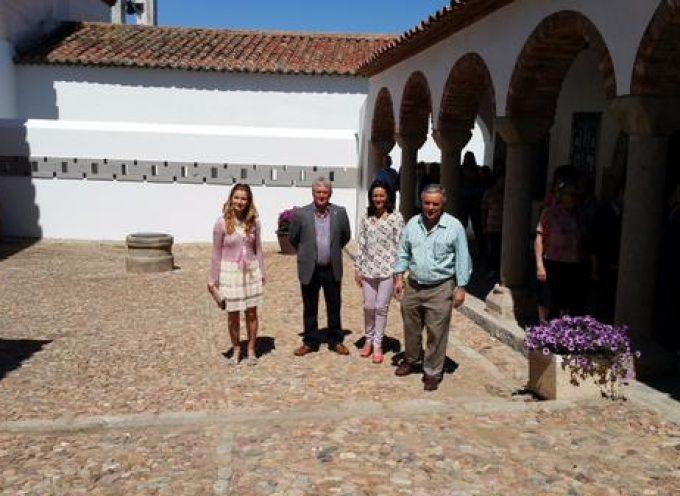 La Delegada del Gobierno visita Pedroche y destaca la colaboración en proyectos que mejoran el municipio
