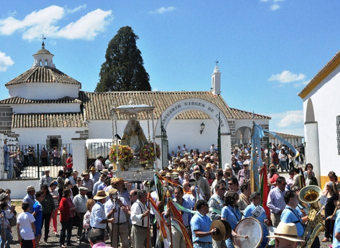 La Romería de la Virgen de Luna cierra un largo fin de semana festivo con cientos de devotos en el Santuario