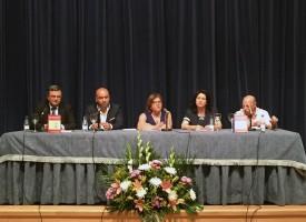 María José Almenara presenta la biografía del escritor Juan Ocaña Prados