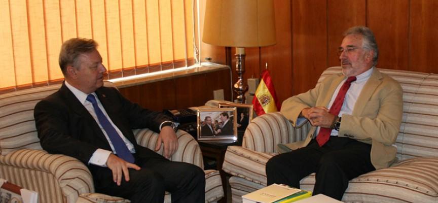 El subdelegado del Gobierno y el presidente de Asaja se reúnen para abordar temas del campo cordobés