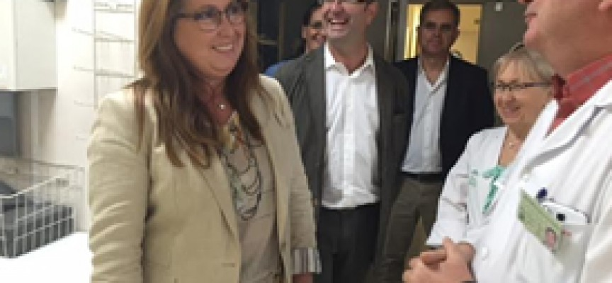 La delegada de Salud se reúne con profesionales del hospital y el centro de salud de Pozoblanco