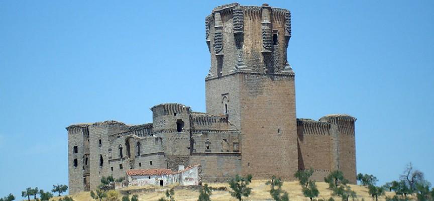 Una nueva iniciativa solicitando la restauración del castillo de Belalcázar
