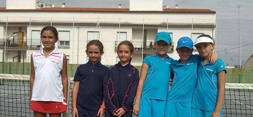 El Club Tenis Pozoblanco consigue el reto de Campeón de Andalucía en benjamín femenino