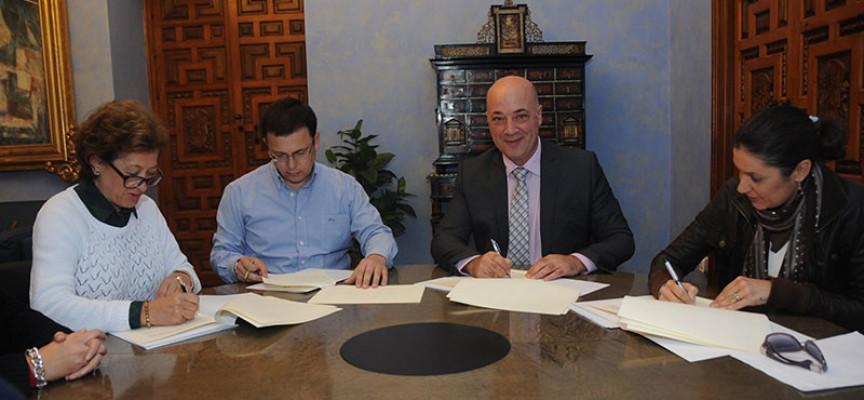 Diputación firma el convenio del programa de Fomento y Colaboración con el Ayuntamiento de Villaralto