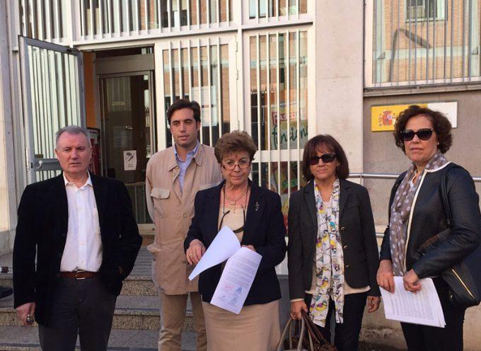 La Plataforma 'Que pare el tren en Los Pedroches' entrega un manifiesto en la Subdelegación del Gobierno