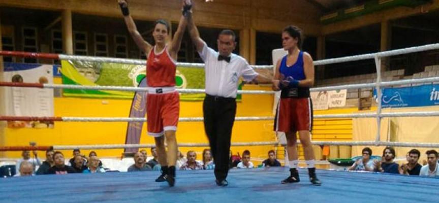 Gana en Almería la boxeadora pedrocheña Mamen Madueño Conde