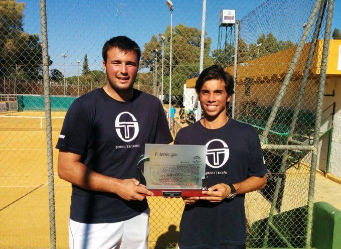 El tenista villaduqueño Juan José Leal defiende con éxito el Campeonato de Andalucía por Equipos de Clubes