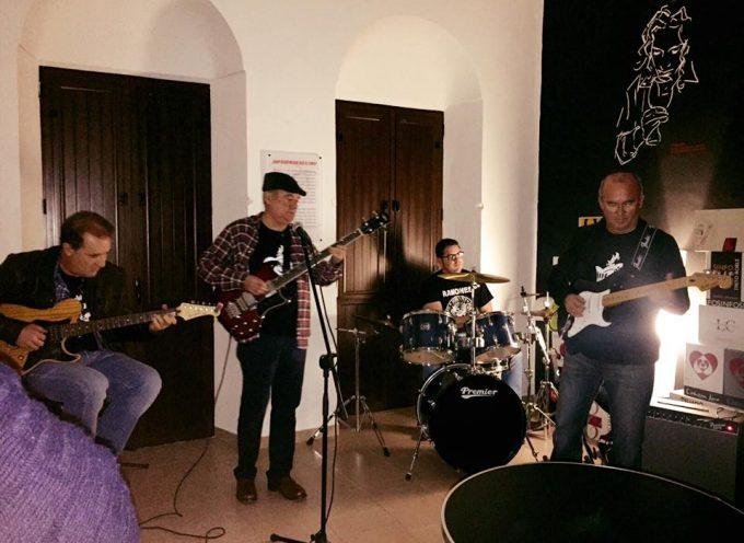 Debut del grupo Vintage, de Los Pedroches, en Pozoblanco