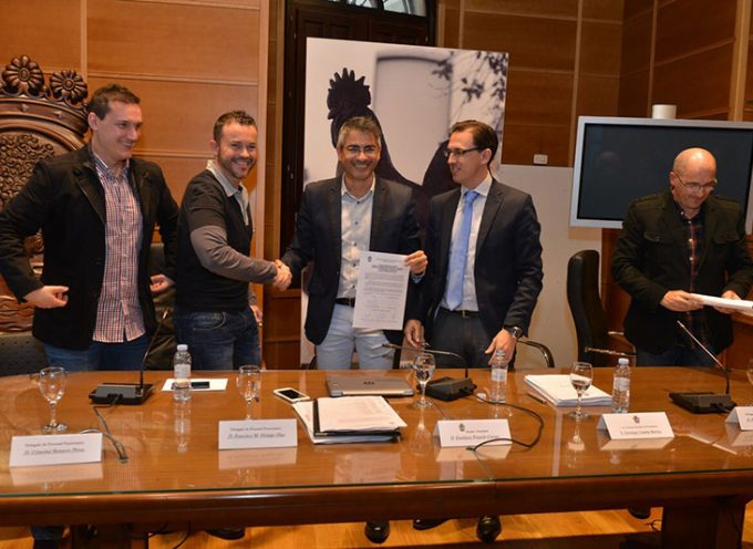 El Ayuntamiento de Pozoblanco firma convenio con los funcionarios sobre sus condiciones laborales