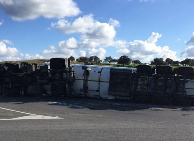 Nuevo accidente de camión en Pozoblanco con riesgo de fuga de gas