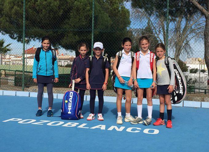 El equipo femenino sub10 del Club Tenis Pozoblanco comienza con victoria la defensa de su corona