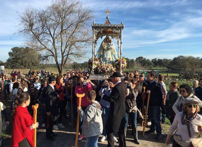 Un coche de caballos ha volcado al volver de la ermita de la Virgen de Luna