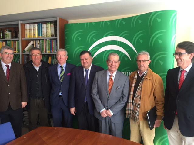 El delegado de Agricultura presenta a los presidentes de los Consejos Reguladores la nueva normativa del procedimiento electoral en las D.O.