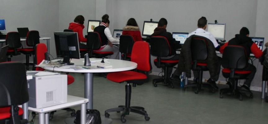 Guadalinfo ofrece 50 becas de formación y certificación en competencias digitales para el empleo