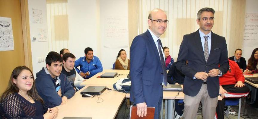 La Junta promueve la cultura emprendedora en Pozoblanco entre jóvenes de Formación Profesional