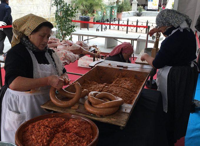 La Fiesta de la Matanza en Villanueva de Córdoba desafía a las bajas temperaturas