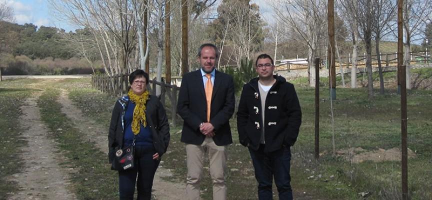La Junta invierte 24.318 euros en la protección de la colonia de cigüeña blanca en El Guijo