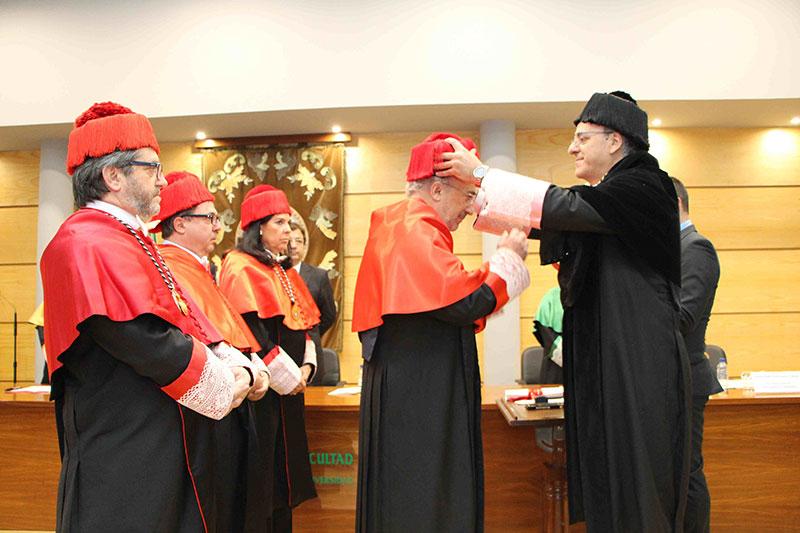 Santiago Muñoz Machado recibe el título Honoris Causa por la UEx