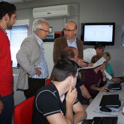 El delegado de Economía ha visitado las instalaciones del centro Guadalinfo de Santa Eufemia
