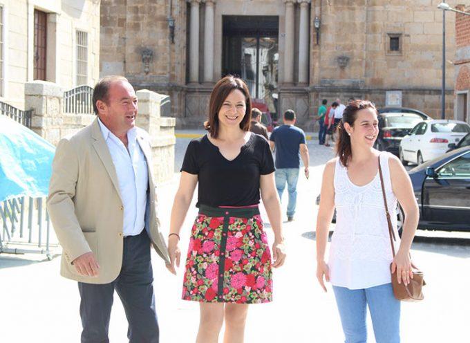 Rafi Crespín, delegada del Gobierno andaluz, visita Belalcázar