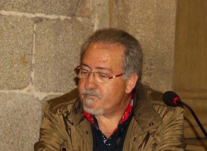Se presenta 'Desgarro', el nuevo poemario de Julián Serrano