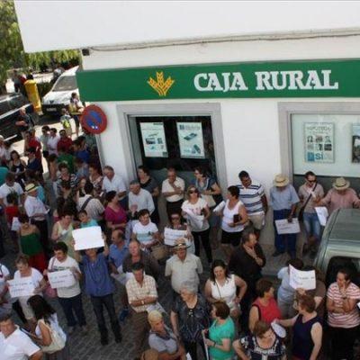 'No al cierre' de la oficina de Caja Rural de Cardeña