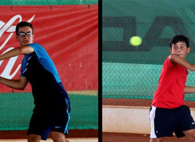 Los tenistas Blas Ruiz y Alejandro López se clasifican para el Máster Nacional de la Champions Bowl