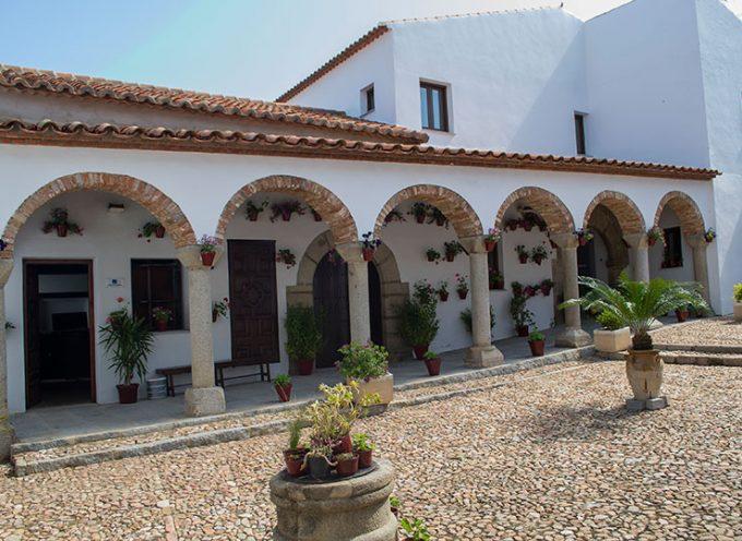 Abierta convocatoria para la concesión de un espacio hotelero en el antiguo convento de Pedroche