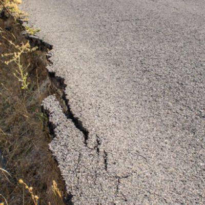 La carretera CO-6101, 'camino rural', como ejemplo de dejadez