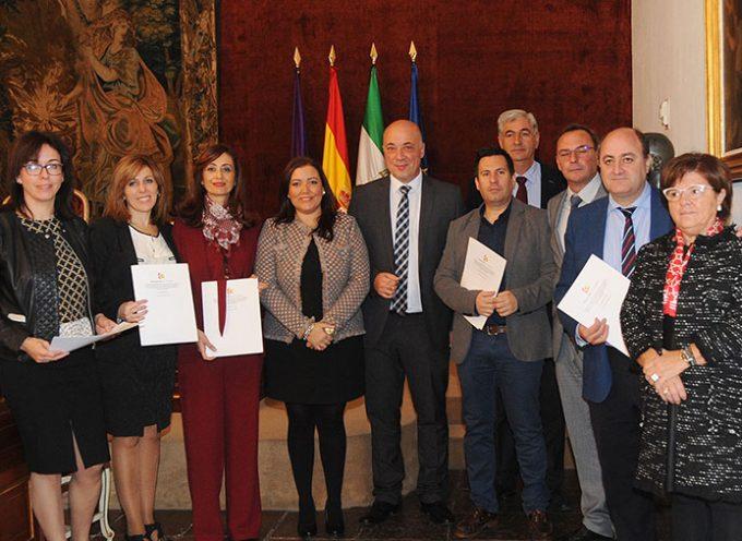 La Diputación de Córdoba formaliza la inversión destinada al CIE de Villanueva de Córdoba