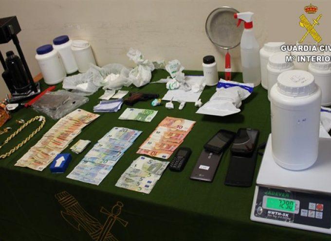 La Guardia Civil desmantela en Pozoblanco un punto de adulteración, corte y distribución de cocaína