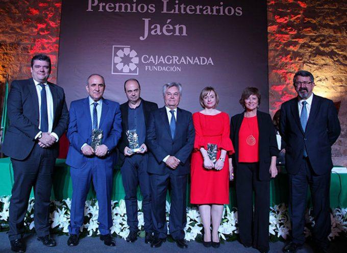 López Andrada en los XXXII Premios Literarios Jaén de CajaGranada tras resultar ganador