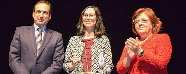 Ana Castro Valero recibe el premio Juana Castro por su poemario autobiográfico