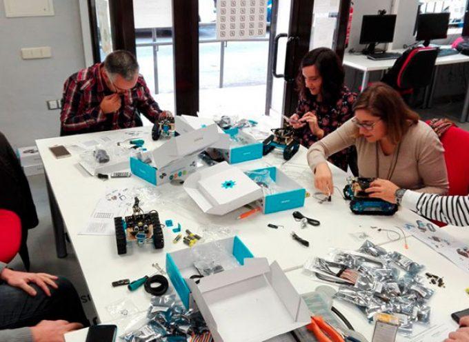 Un taller de robótica a través del centro Guadalinfo de Dos Torres