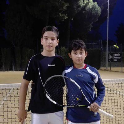 El tenista pozoalbense Alejandro López se quedó a un paso de la final del Campeonato de Andalucía Sub 10
