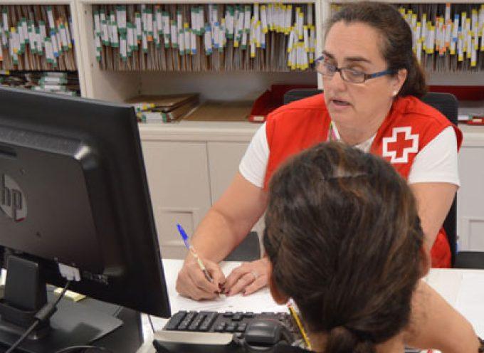 Cruz Roja ayuda a 500 familias cordobesas en el último lustro a afrontar pagos del agua