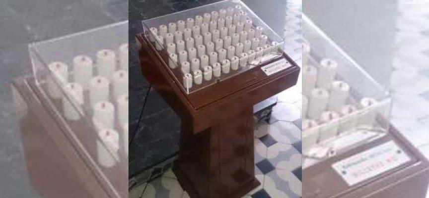 Se vende por internet un lampadario de la parroquia El Salvador de Pedroche