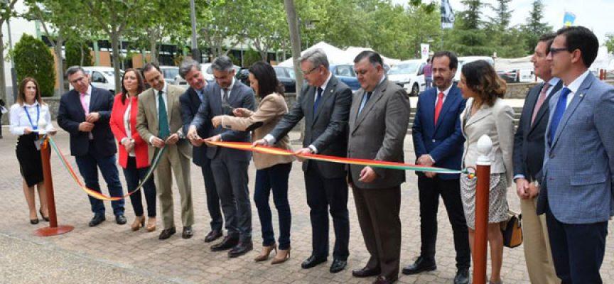 Gran atracción de políticos hacia la feria agroganadera de Pozoblanco