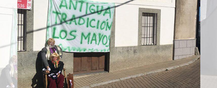 Recuperación del Ayuntamiento de Pedroche de los 'Mayos', tras la iniciativa vecinal de hace un año