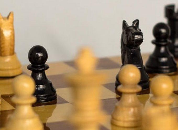 Pozoblanco Educa organiza el primer torneo de ajedrez infantil en la calle