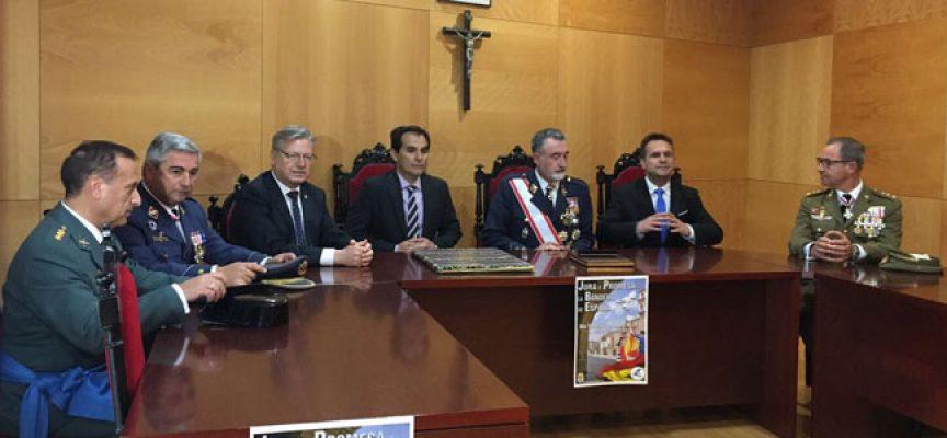 IU exige el 'cese inmediato' de Nieto tras participar en el acto militar de Dos Torres