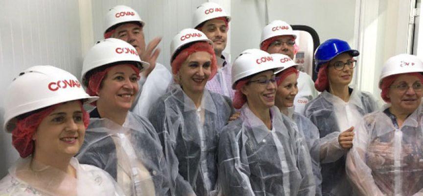 El alumnado del Aula de Cocina de Montoro, Cardeña, Villafranca y Villa del Río visitan las instalaciones de COVAP