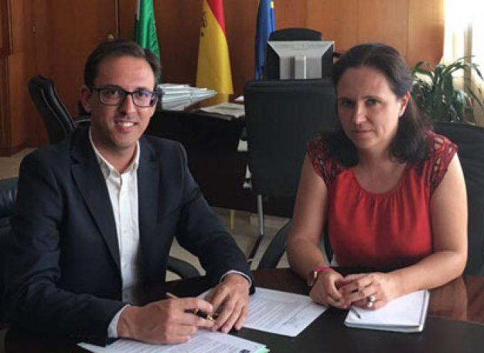 El alcalde de Pozoblanco y la delegada de Fomento abordan distintos aspectos de vivienda e infraestructuras