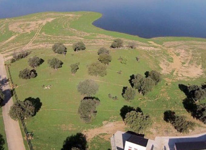 La Confederación Hidrográfica del Guadiana no responde a la solicitud de autorización de la zona de baño en La Colada