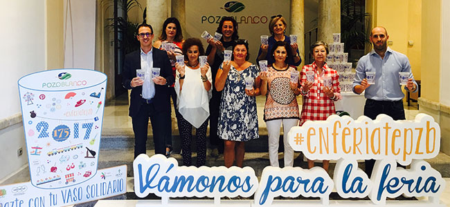 Una campaña con vasos solidarios durante la Feria de Pozoblanco