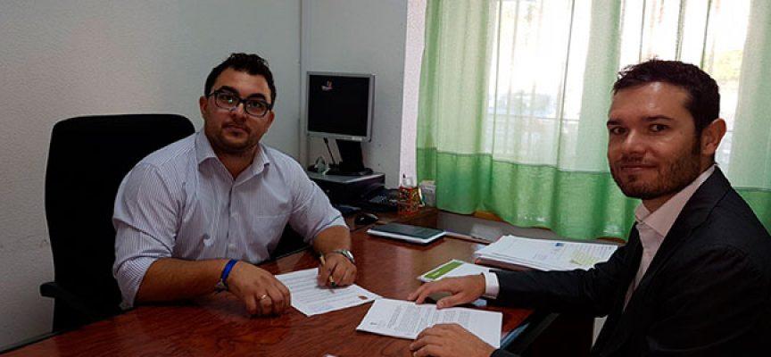 El Ayuntamiento de El Guijo firma el contrato para el desarrollo del PGOU del municipio